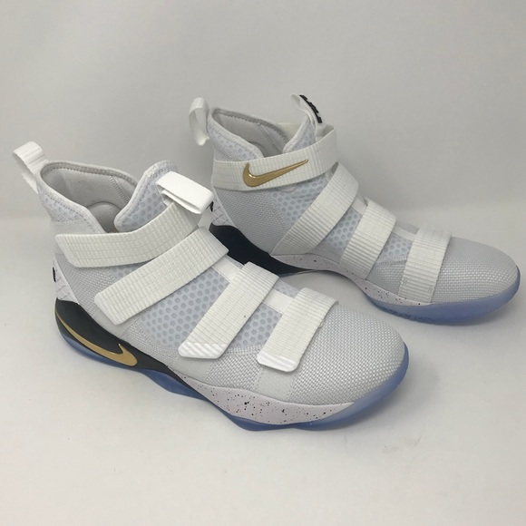 ce2283f555e8b Nike Lebron Soldier XI SFG Basketball Shoes - Men